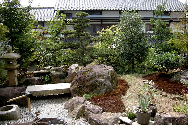 枯山水庭園、石組み工事